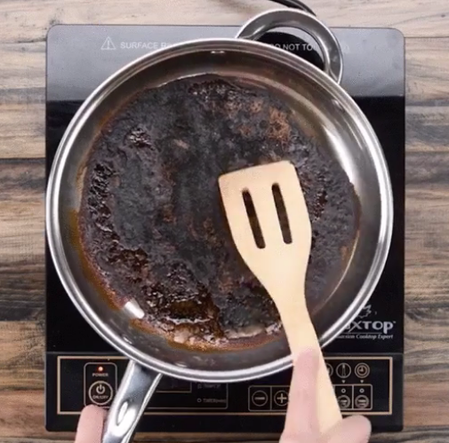 how-to-clean-a-burnt-pan-with-no-effot-cooking-household-tip-hack